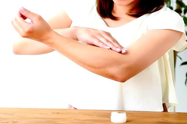 天然ハチミツに含まれているビタミンCやビタミンB群などには、代謝を良くしたり、肌荒れを整えたりする作用がある