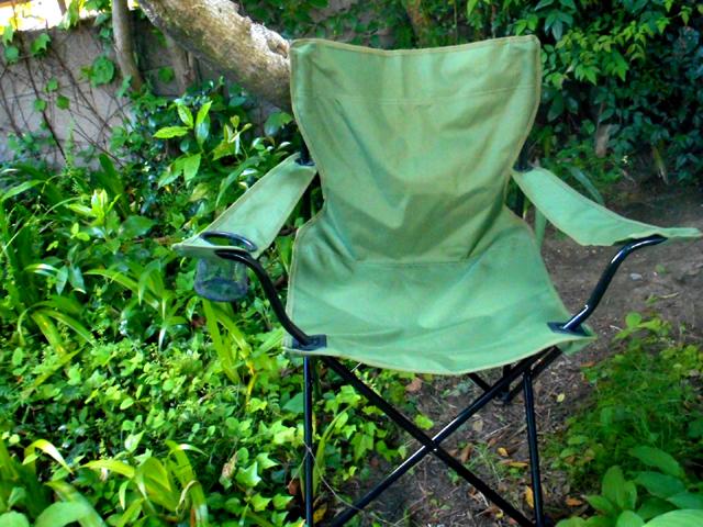 イオンのアウトドア用の椅子「HOME COORDY アームチェア」はオススメの逸品。