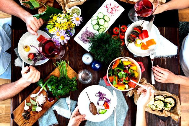 厳格な食事制限をしないようにし、食べる事を楽しむ。