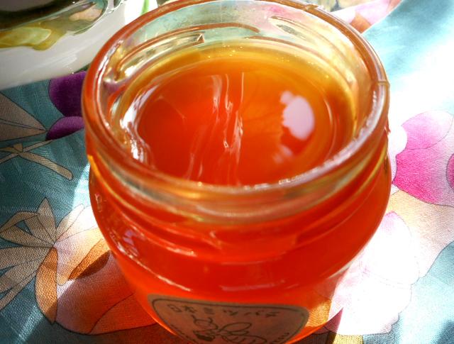 蜂蜜を脳のエネルギーチャージに利用するためには無添加のはちみつを選ぶ。