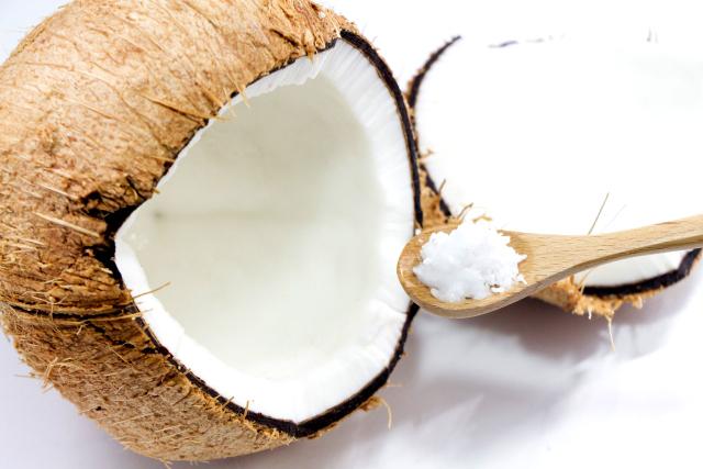 ココナッツオイルをアトピーの改善に役立てるための方法