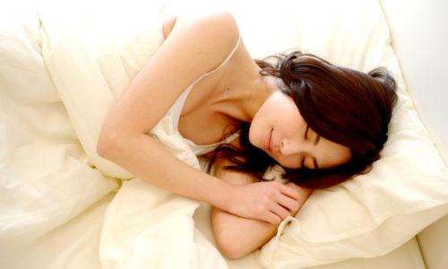 お金をかけずに足を温めてぐっすり眠るには?