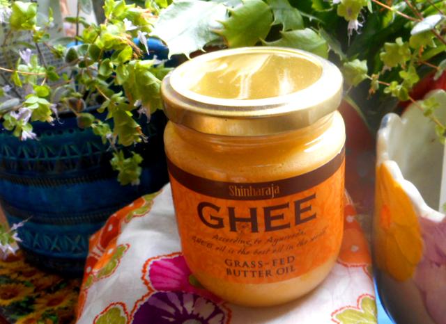ギー(ghee)をサラダ油・植物油の代わりに使う。