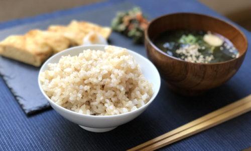 「マゴワヤサシイ」は<うつ>な気分を良くするのにオススメな食事法。